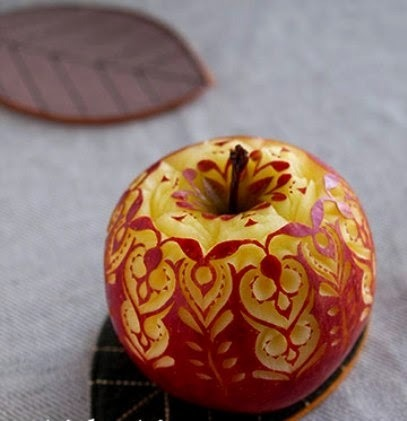 food art ; apple carving3.jpg