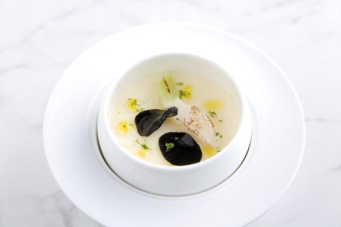 かぶの豆乳スープ フランス産トリュフを添えて.JPG