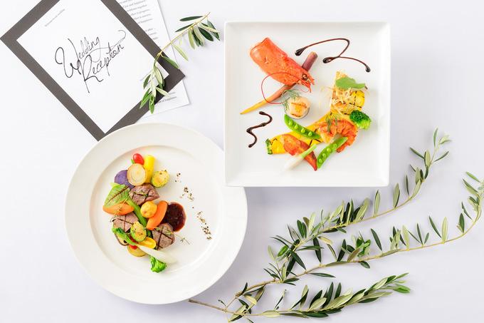 549103_肉料理と魚料理_俯瞰web用.jpg