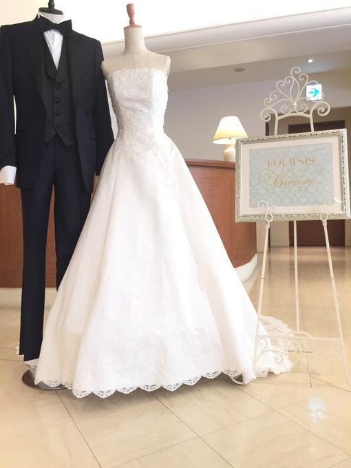 6月展示用ドレス2.JPG