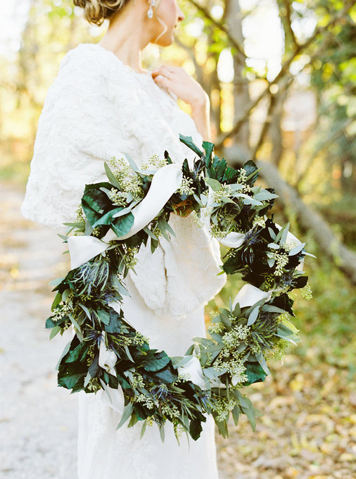 winter-wedding-inspiration-with-pine-cones-20.jpg