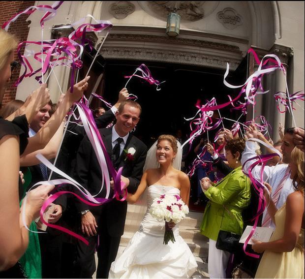 50pcs-of-Wedding-Ribbon-Wands-Wedding-Confetti-Twiring-Stream-Ribbon-Sticks-Wands-with-Bells-wedding-supplies.jpg