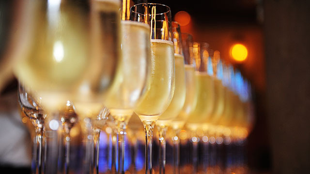 160111_spoon_champagne-thumb-640x360-93240.jpg